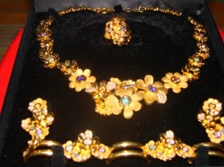 GORGIOUS NECKLACE SET FM GRAZIELLA OF DAMAS