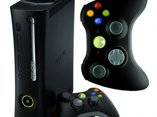 Xbox 360 elite 120gb with controlers original games