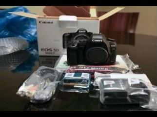 New Nikon D80 Canon EOS 400D Canon EOS-5D Nikon D700