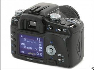 Sony Alpha 100 with Bag and exessories.