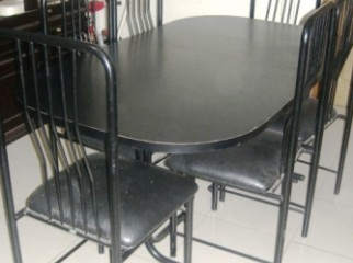 Otobi dining table with 6 chairs. Used for 2 years.