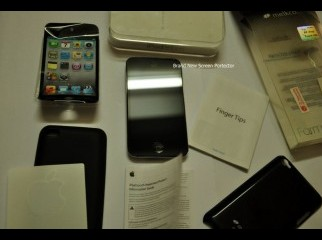 Apple ipod Touch 4g 32 gb with everything