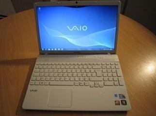 Sony VAIO VPC-S137GX B 13.3-Inch Laptop