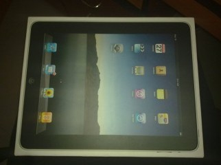 Apple ipad 3g wifi sim enabled 16 gb with box.............