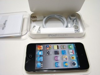 IPOD touch 4G latest version 32GB lightly used