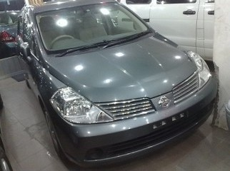 Nissan Tida Latio 2006 grey color