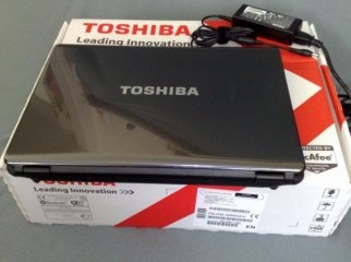 Toshiba Qosmio X775-3DV80 - Core i7 2.2 GHz - 8 GB Ram