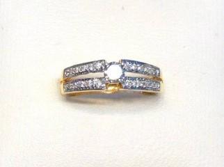 EXCLUSSIVE DESIGNERS LADIES DIAMOND RING