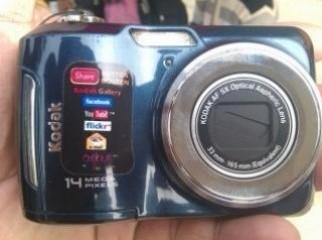Kodak EasyShare C195 Digital Camera brand new from canada