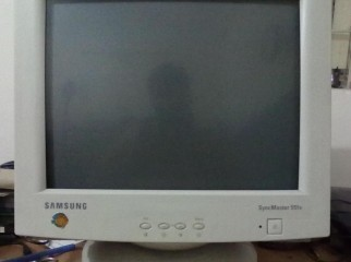 Samsung Syncmaster 551s 15 CRT Monitor......