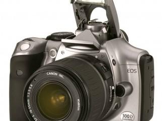Canon EOS D3000 lens EF-AF18-55