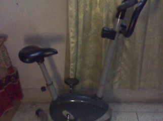 USED EXERCISING CYCLE MAGNETIC........VERY LOW PRICE........