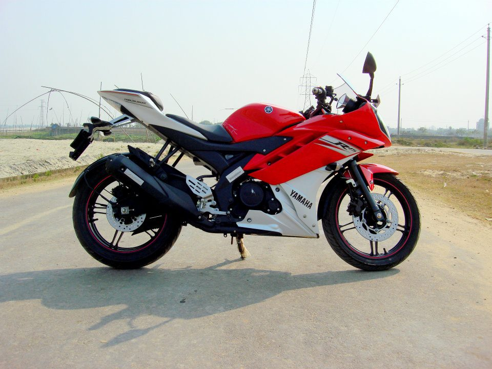 R15 V2 Red And White Yamaha R15 Version2