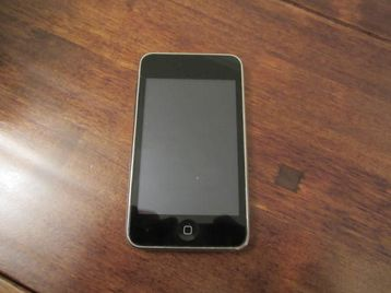 iPod Touch 3rd Generation 8GB | ClickBD