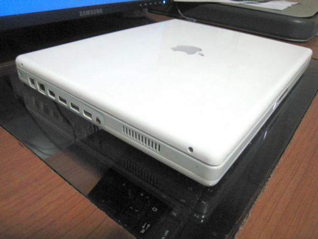 laptop apple ibook g4 clickbd. Black Bedroom Furniture Sets. Home Design Ideas