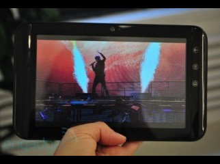 1st 4g Dell Tablet with wifi a month old with lots of games