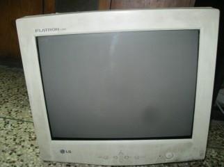 LG Flatron E700S 17 CRT