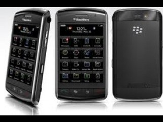 black berry storm 9500 with all accesorries