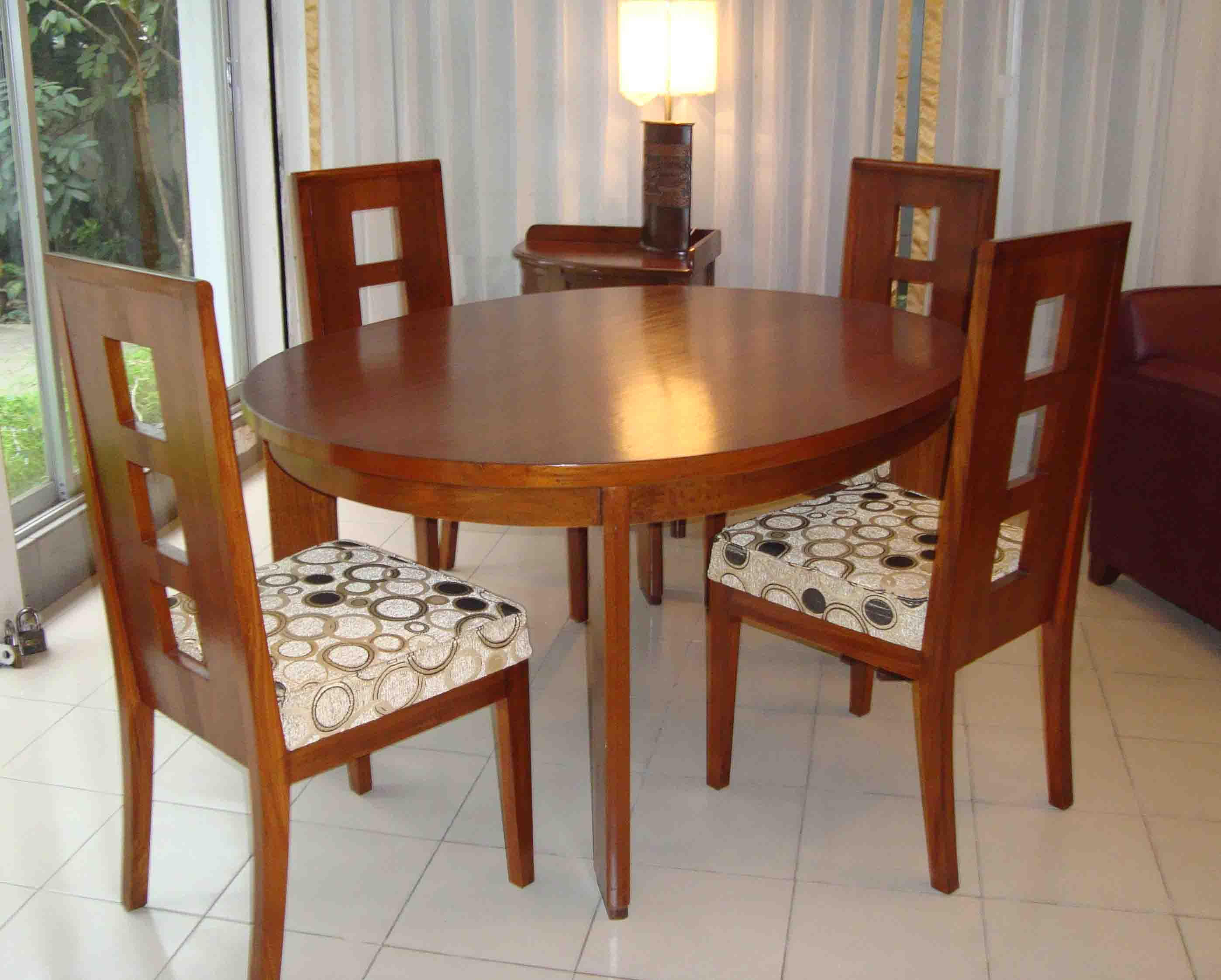 Nza Dining Table With 4 Chairs Made Of Solid Wood Brand New