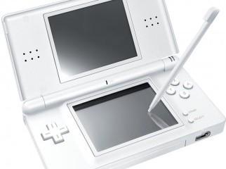 Selling Nintendo DS Lite white colour