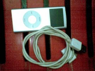 Very Nice condition Orginal apple 2GB