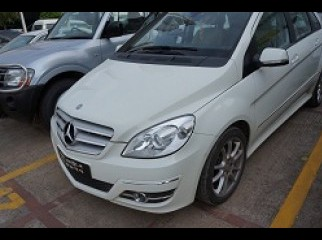 Mercedes 42.5 Lacs Incredible Offer Do not Miss out
