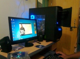 GAMING PC Core i7 GTX580 8GB RAM 22 LED etc.