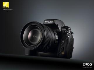 NIKON D700 Body Battery Grip plus extra Battery