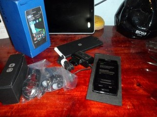 full new nokia x7 box pack and all  Accessories
