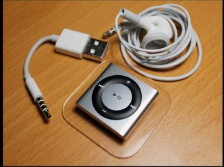 Apple iPod shuffle 2GB 4th Generation 7 days used