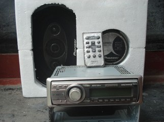 pioneer cd player and speaker (Germany)