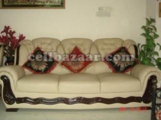 Exclusive sofa set lather type.
