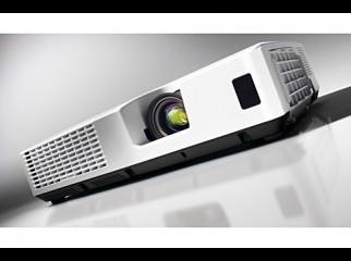 Hitachi Projector CP-X2521WN