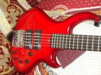 Fanndec Bass guiter(UK)