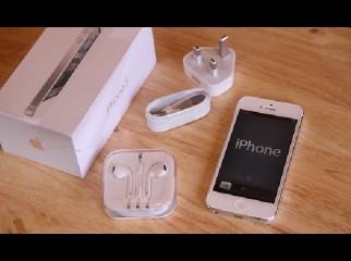 XMAS PROMO Authentic Brand New Apple iPhone 5