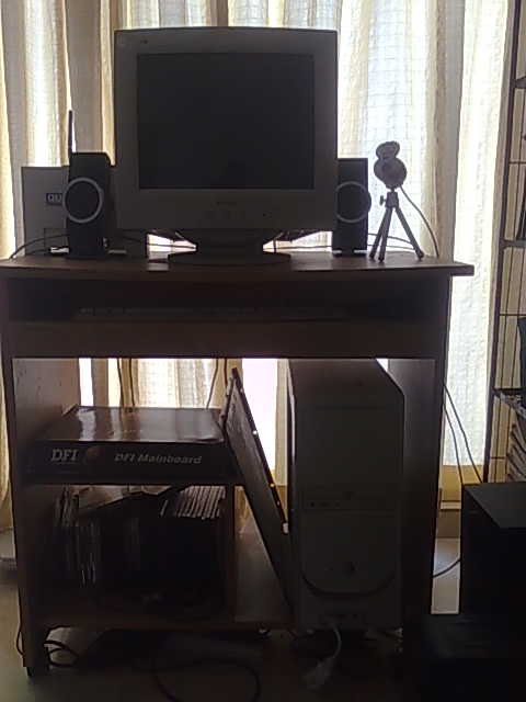 Desktop Computer With Table And Sound System Clickbd
