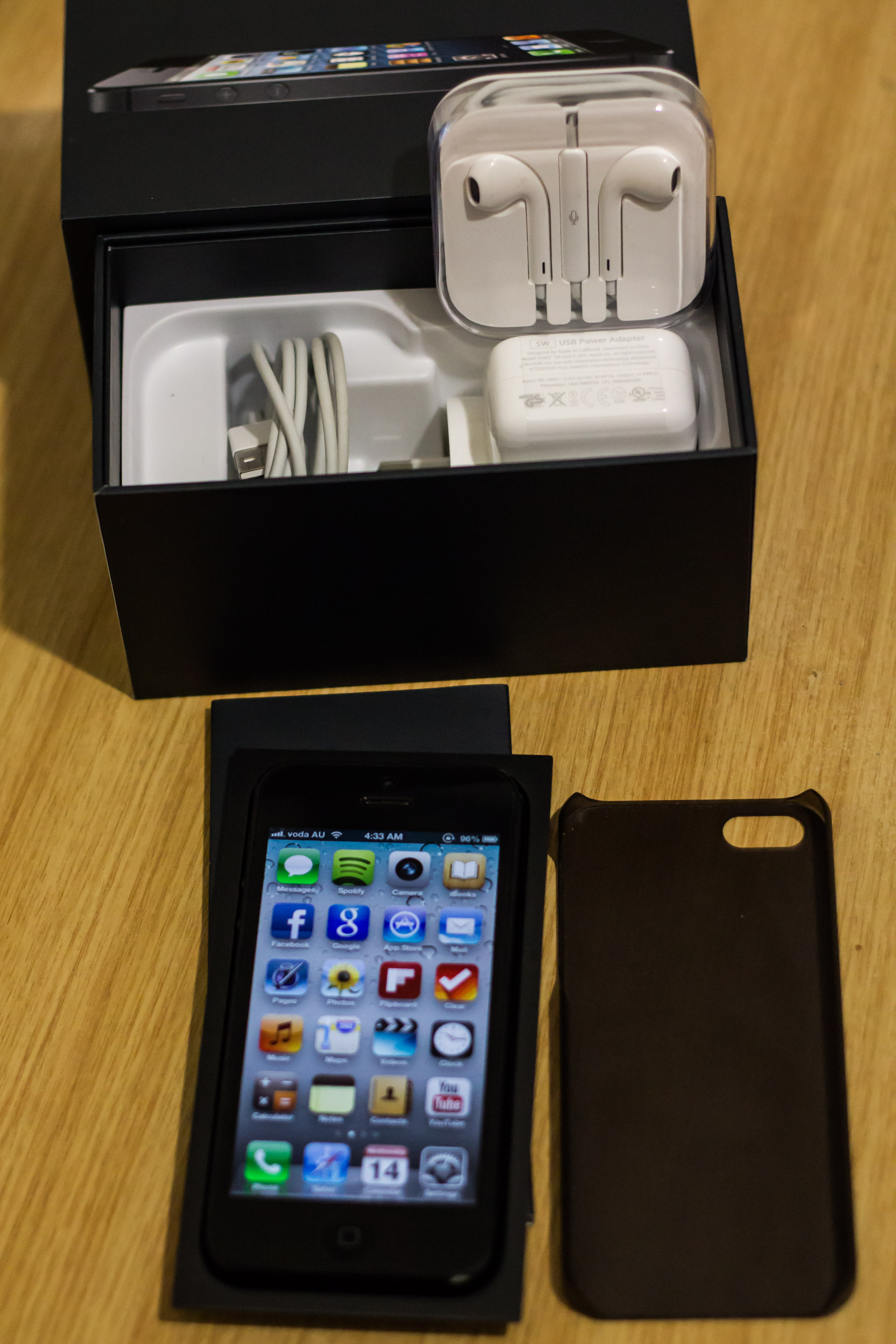iPhone 5 64gb Factory Unlocked Call or Txt 01751939137 | ClickBD large image 1
