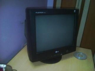 LG Flatron 17 CRT Monitor