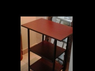 A GOOD QUALITY ALMOST NEW OVEN TOP TABLE FOR YOUR DINING