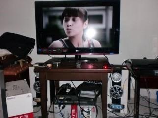 LG 32'' LCD HD television