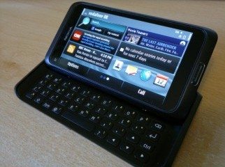 Nokia E7 16GB MessStores Brand new