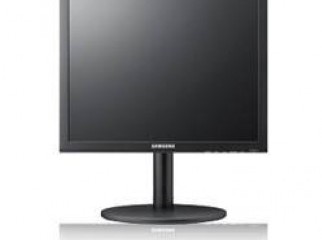 SAMSUNG 17 square LCD MONITOR urgent sale