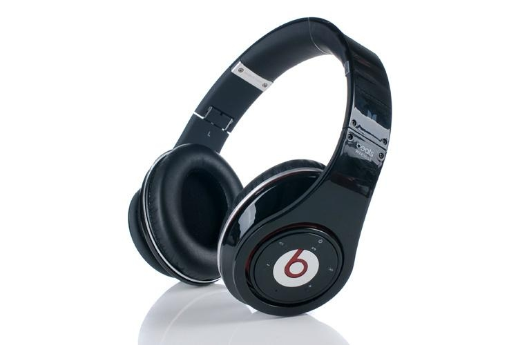 monster beats by dr dre studio hd bluetooth 32gb clickbd. Black Bedroom Furniture Sets. Home Design Ideas