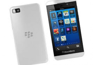 BLACKBERRY Z10 AS LIKE BRAND NEW WHITE ONLY 2 DAYS USED